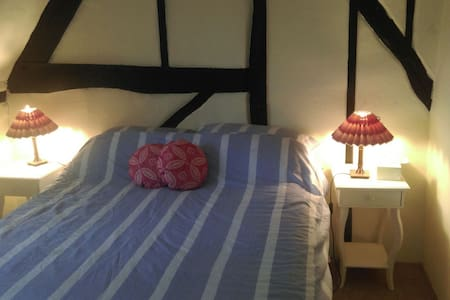 Double Bed, Rural Thatched Cottage