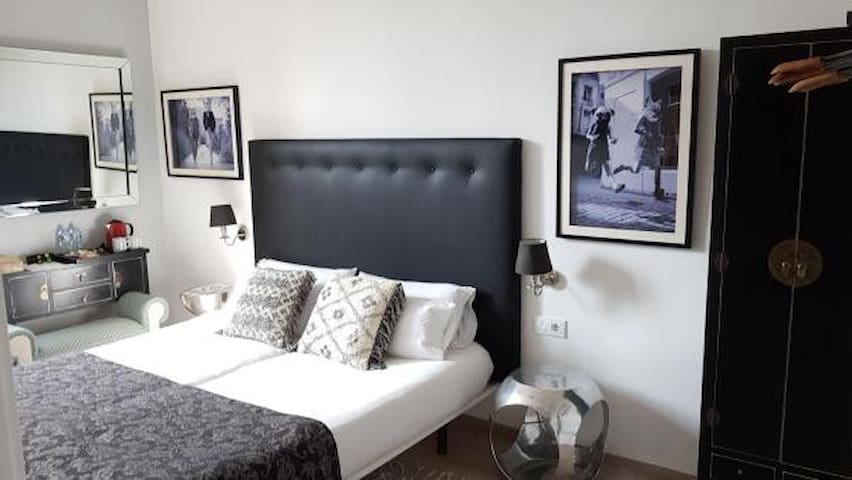 Superior Double Room with 2 single beds