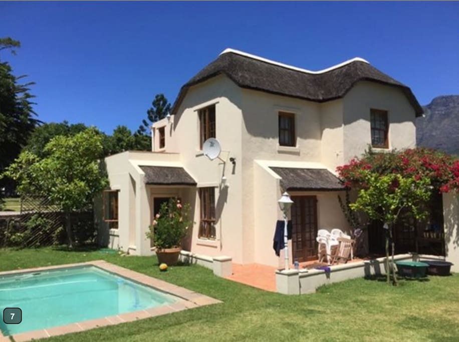 Room To Rent In Rosebank Cape Town