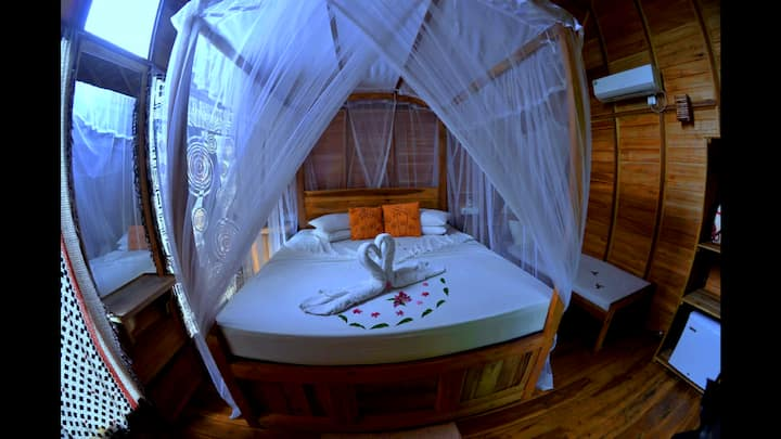 Habarana Ambasewana resort -magic Tree House