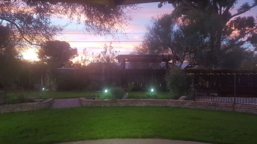 Private Room in Central Tucson