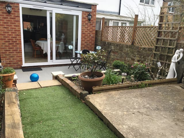 House to rent in London suburbs