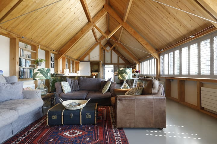 Architecturally stunning building.Open plan living space