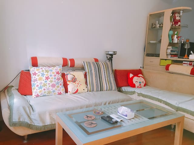 Two Sofas for rent, close to Hongqiao Airport