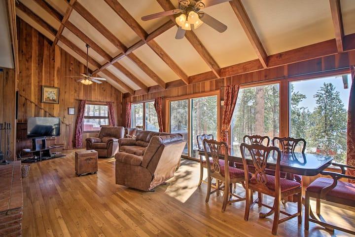 NEW! Cozy Home w/Hot Tub+Views, Near Pikes Peak!
