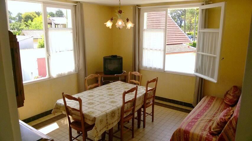 Appartement 4/6pers 1er ét. exposé sud Maubuisson