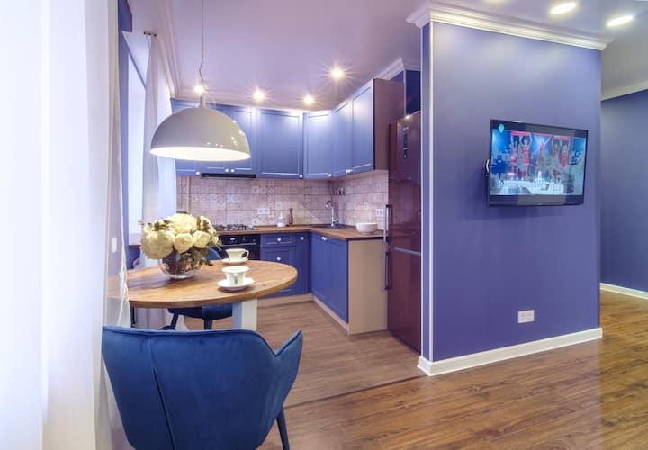 """""""Indigo"""" apartment next to 23 Avgusta Metro"""