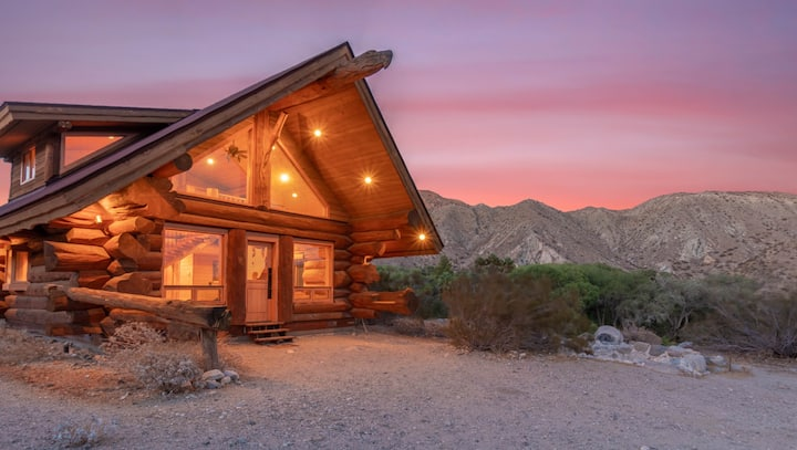 WildFlower Cabin: A Getaway in the Desert