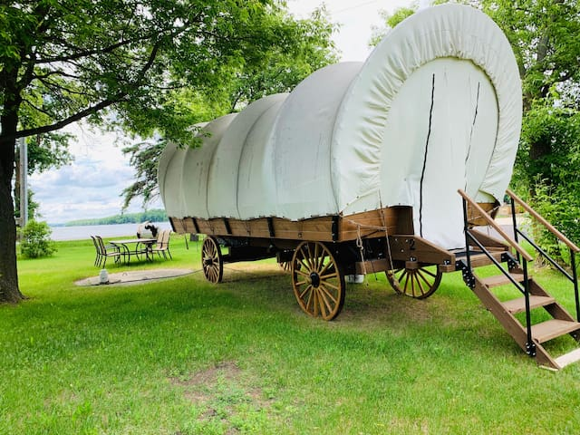 Rose Lake Glamping Wagon #2