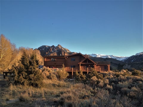 Canyon Creek Cabin Bed & Breakfast