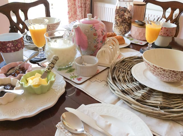 Breakfast at Rose Cottage