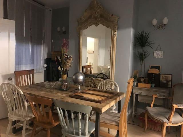 LOVELY COTTAGE HOME, NEWLY REFURBISHED Leek Centre