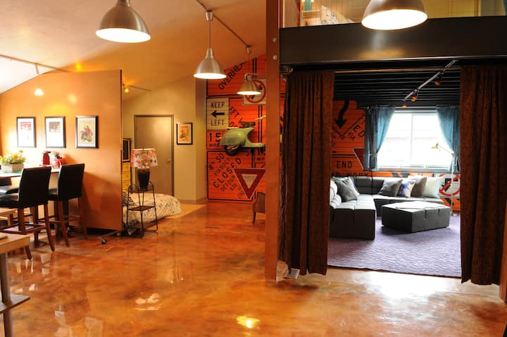 Delightfully Un-Ordinary Loft in Park City's Heart