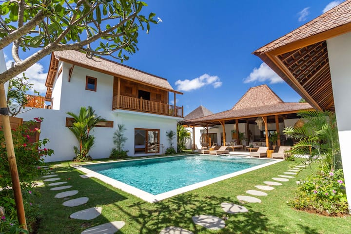 PROMO -70% - NEW 5BR Villa next to Seminyak Beach