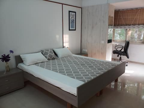 VILLA PRIVATE ROOM /LUXURY/CITY CENTRE/PRIVACY/