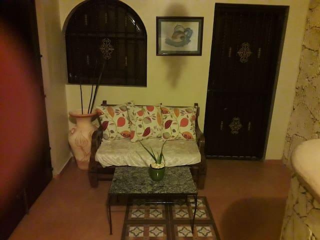 Habitacion privada,limpia y segura