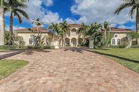 Italian Villa - Palm City