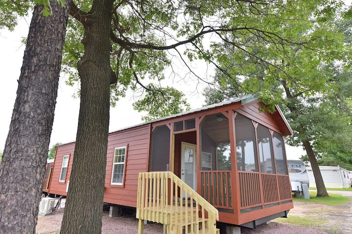 Bonanza Camping Resort Deluxe Cabins