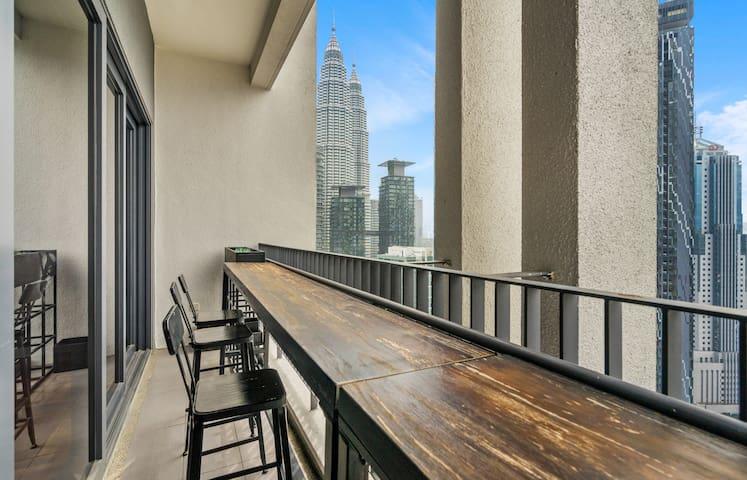 Balcony with majestic view of KL skyline