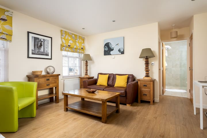 ★ ★Lansdown - Fab Centrally Located Apartment★ ★