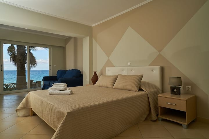 Playa Del Zante - Studio with Sea View