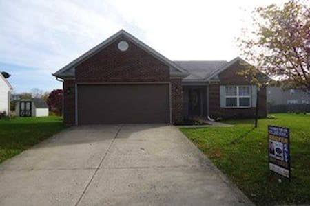Indianapolis Weekend House Rental - Indianapolis - Dom