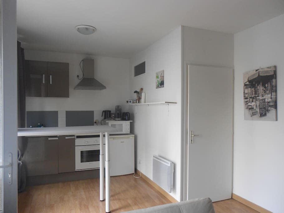 logement proximit puy du fou poupet bord de sevre maisons de ville louer saint michel. Black Bedroom Furniture Sets. Home Design Ideas
