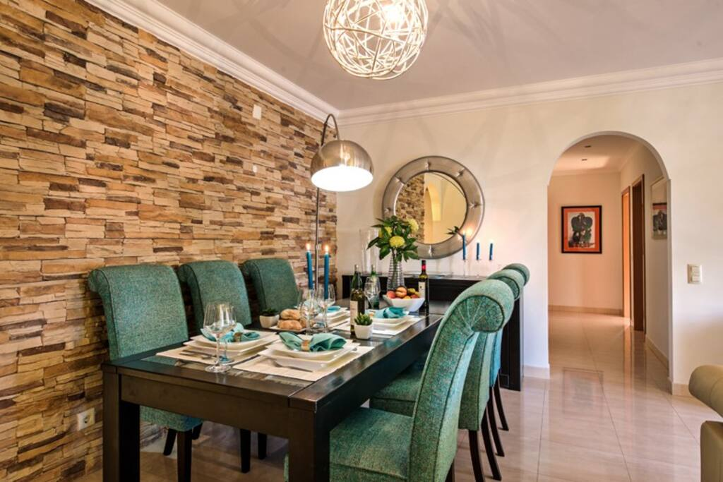 Formal dining and entertaining