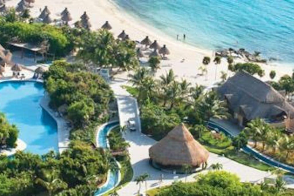 Grand Sirenis Resort Lazy River