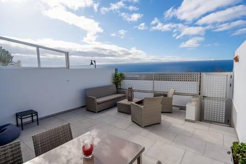 Luksuriøs leilighet, stor terrasse og havutsikt