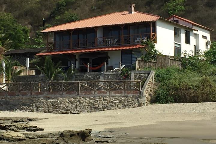Grande y maravillosa villa al mar
