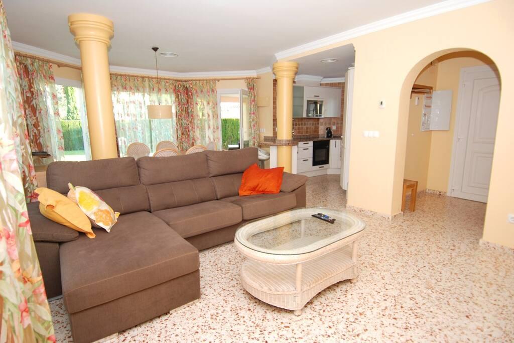 Villa 3 dorm con piscina privada villas en alquiler en for Suite con piscina privada madrid