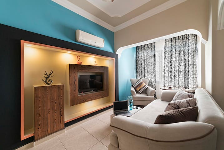 Suitcity Exclusive Suites- Suite 1+1 B1