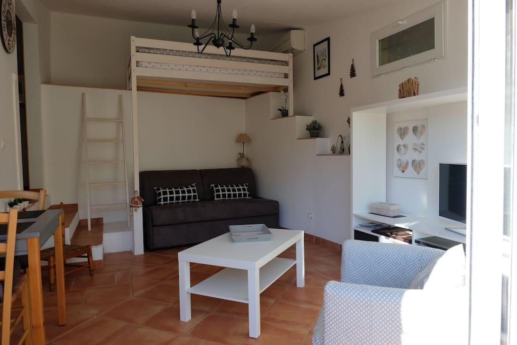Mezzanine et canapé lit confort