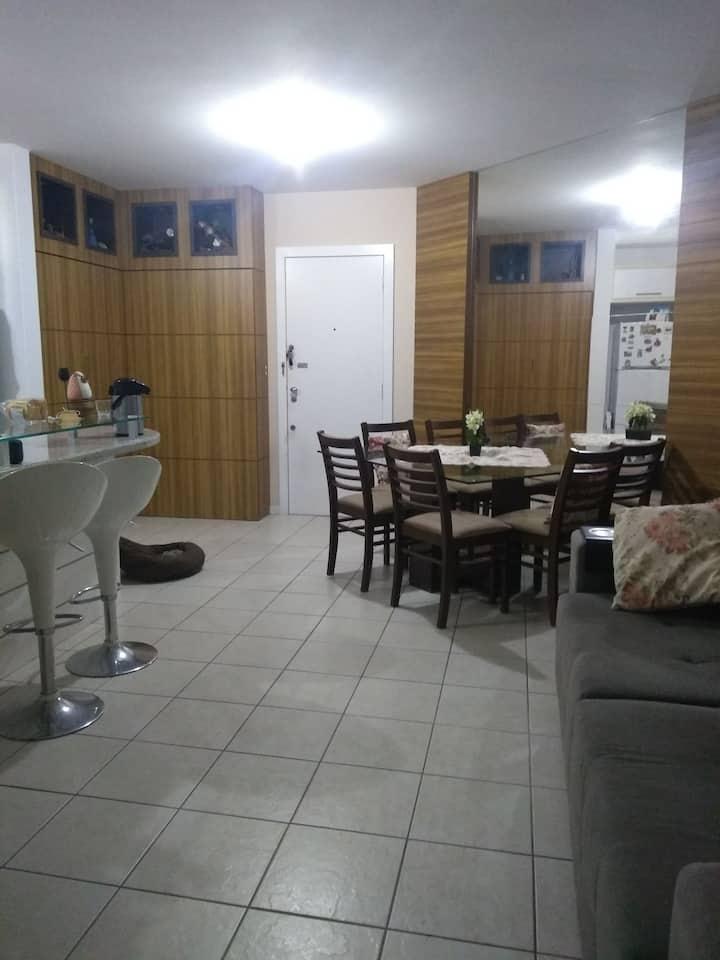 Excelente apartamento em condomínio no Itacorubi