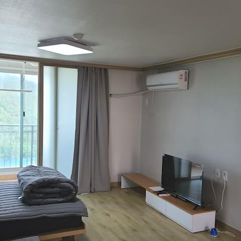 원룸형 아파트입니다
