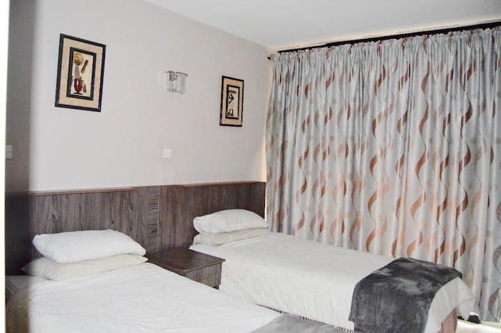 Centrally located Avenues Studio Apartment