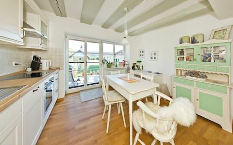 Ruhiges Apartement mit Küche, Bad + Sonnenterasse