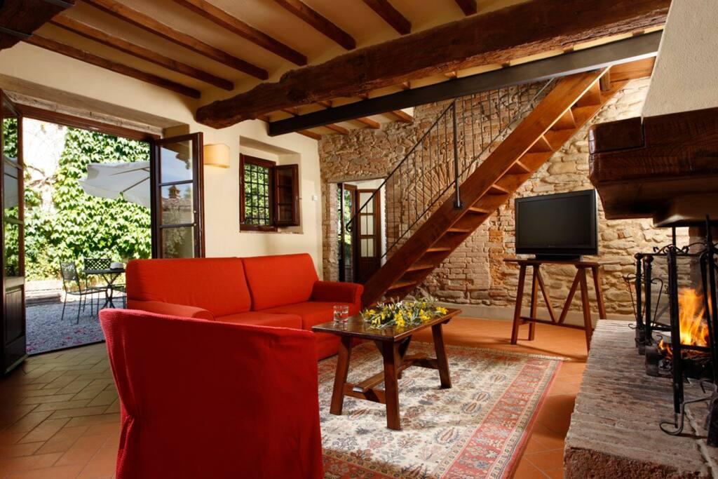 Appartamento due camere in resort case in affitto a for Piani casa in stile artigiano 2 camere da letto