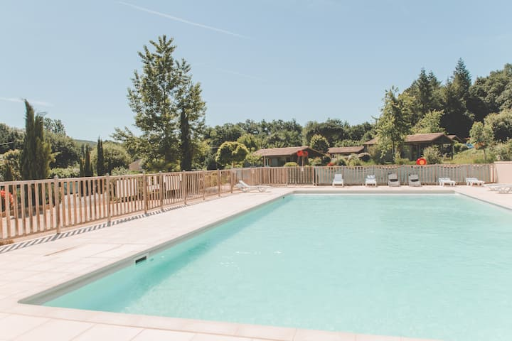 Chalet 4 people Eco Friendly with pool in Lot