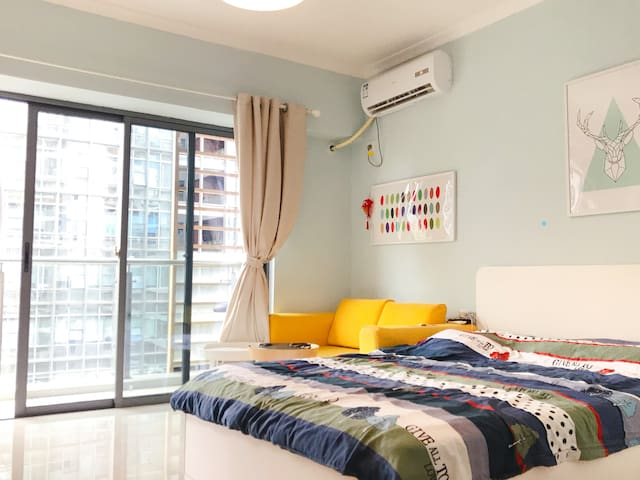 Cosy studio at the heart of city downtown Shenzhen