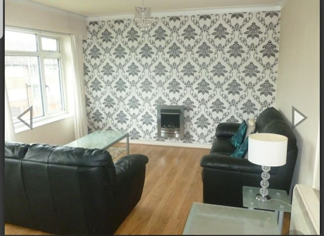 Heywood Old Road One Double Room in Flat