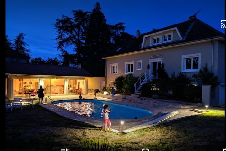 Maison 240m2+70m2 de Pool et piscine chauffée