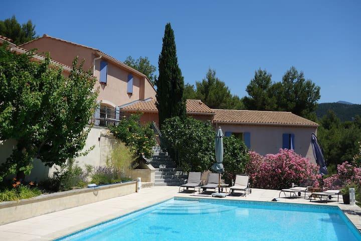 """Gite """"Beaumes"""", 2 pers. , Malaucène - Mont Ventoux - Le Barroux - Apartment"""