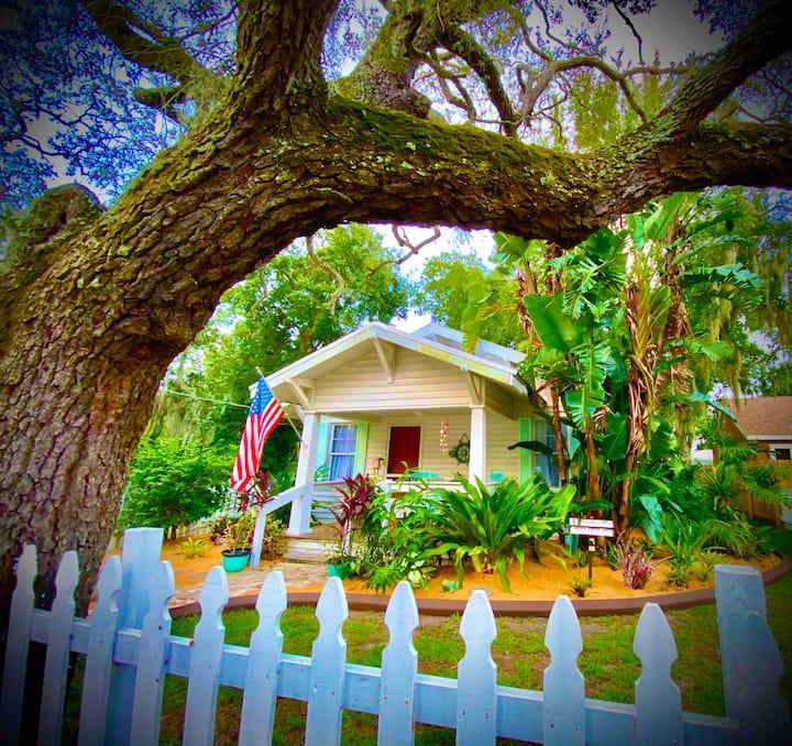 Coastal Cottage Historic Craftsman ❤️ of Arts Distr