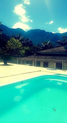 Casa de hospedagem em Guapimirim com piscina
