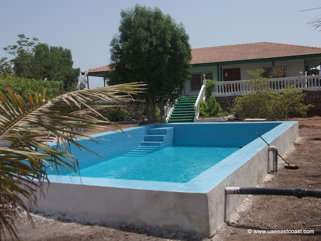 East Coast Tourism Farmhouse Dibba - Dadna - Huvila