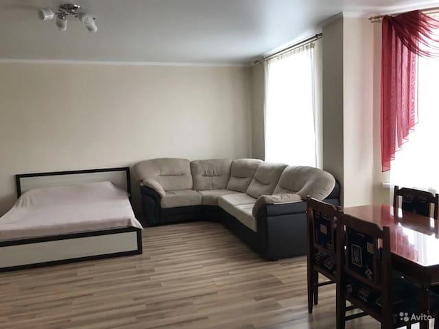 Апартаменты-студия 64 кв.м. на Лазо