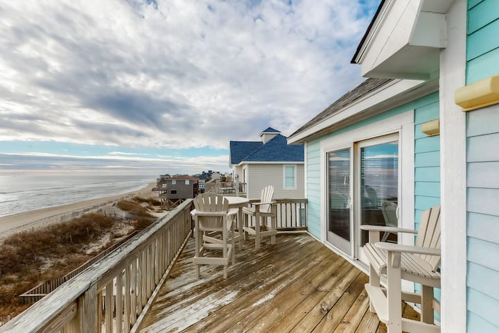 Oceanfront House w/Private Pool, Private Washer/Dryer, Fireplace, and Central AC