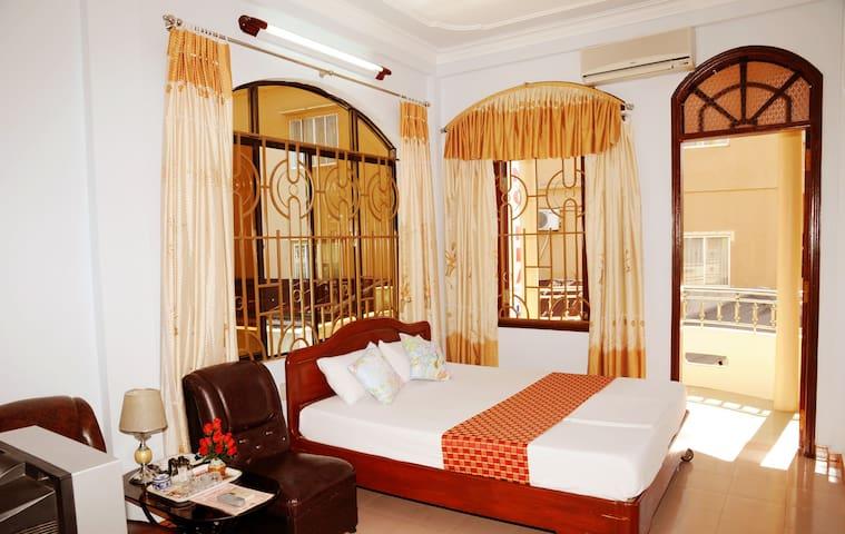 Double room w balcony - Phong Nha Hotel
